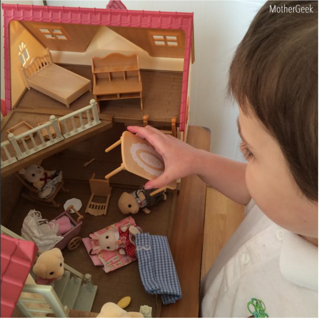 Sylvanian Families Cosy Cottage Starter Set Review