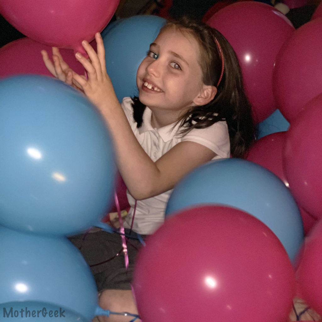 Bunch o Balloons Party Pump Review - Syd with the balloons