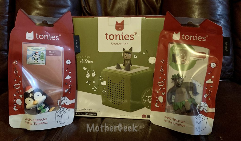 tonies® Toniebox review - the items I received.