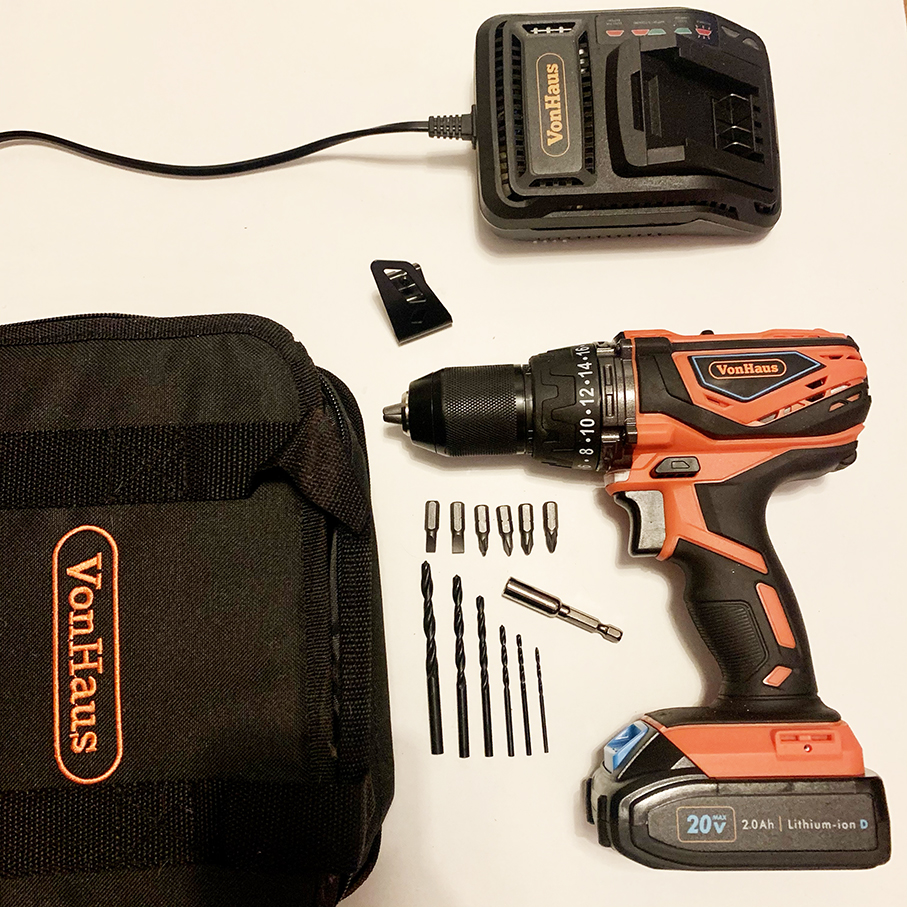 A flatly of everything included with the VonHaus 20V cordless drill review